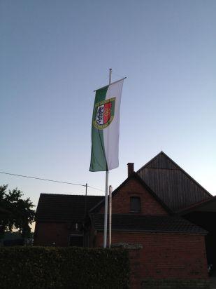 Fahne am Rennefelder Weg, Langenberg